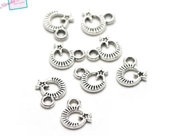 "50 charms ""encircled Star"", 10 x 8 mm, silver, 077 has"
