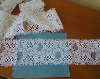 """""""Leavers"""" white VINTAGE French Calais lace"""