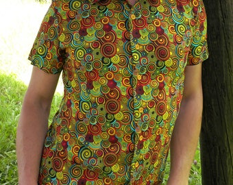 Men's shirt. Fabric Timeless Treasures swirls. Short sleeves