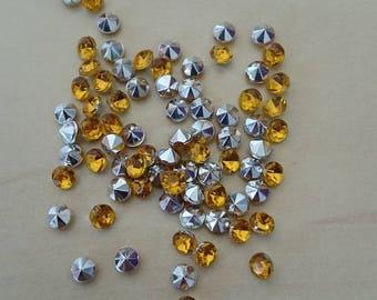 Yellow cone-shaped rhinestone 4 / 4.5 mm