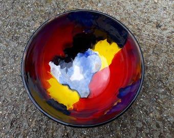 Bowl 20 cm in diameter