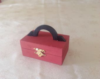 Trinket box / jewellery box with handle ,  hand painted