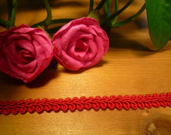 Red braid stripe