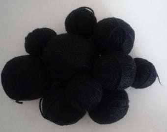 Set various black wool blend yarn