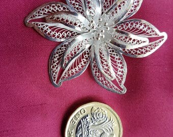Silver Delicate Filigree Flower Brooch 925