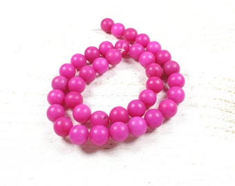 10 frosted natural jade beads / hot pink matte 10mm
