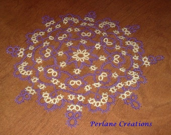 Tatted placemat / Doily lace tatted