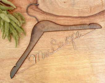 Personalized Wedding Hanger,Bride hanger,Wire Name bride Hanger, Wedding dress hanger, Bridal Hanger, Bridesmaids Name Hanger,Rustic Wedding