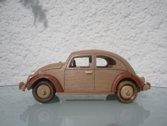 voiture coccinelle en bois