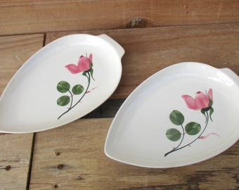 Pair of dishes, with Villeroy & Boch porcelain dishes, series Magali, handmade decor