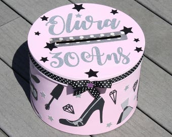 Birthday box theme 30 years old, young woman, shopping, shopping, girlfriends, shoes, jewelry, clothing, makeup, pink, black color