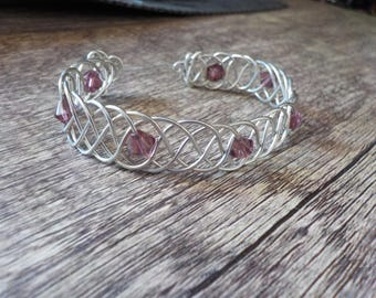 Braided wire bracelet with glass beads