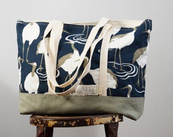 Every day tote in blue crane
