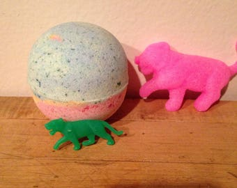 """Kids Bath Bomb with """"Growing"""" Toy Inside."""
