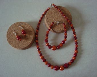 Fancy in shades of orange and Red jewels