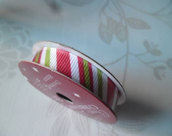 x 3 meters of Ribbon Christmas design comes through red/green/white satin 10 mm