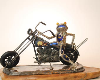 GLASS Frog blue Motorcyclist on a Harley Davidson black and yellow motorcycle