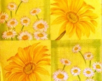 TOWEL paper flowers in yellow and white #F137