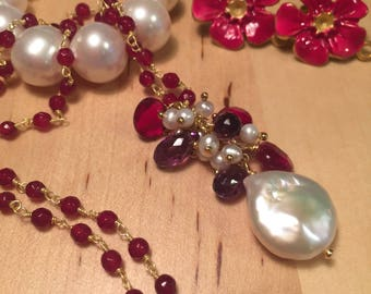 Hand knotted necklace with Bordeaux agates