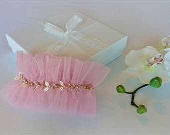 Wedding garter, tulle bridal garter, pink garter, bridal something blue garter, pearl, gold detail and pink