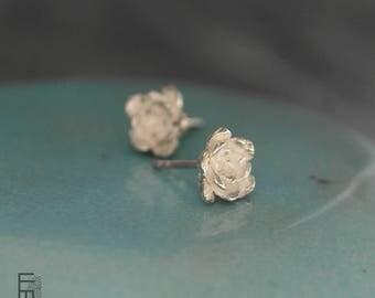 SEDI - Pendientes de Plata (modelo pequeño) con una estructura floral