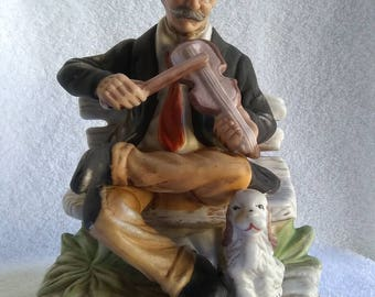 Vintage collectible porcelain/ceramic figurine