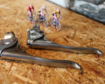 Pair of retro right bicycle brake levers