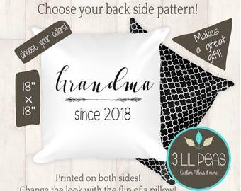 New Grandparents Gift, Christmas Pregnancy Reveal Pillow, Grandmother Pillow, Gift for New Grandma, Gift for New Grandparents, Grandma 2018