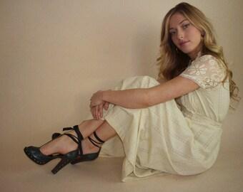 Long vintage lace belted summer dress, size 8