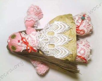 Ukrainian yarn ethno-doll (motanka)