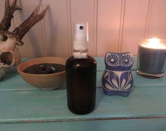 Franchir le styx : parfum de soin et de cérémonie