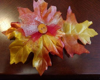 Fall leaves collar bow