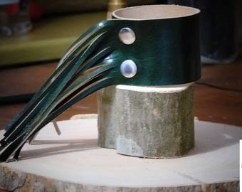 Green leather bracelet,Leather bracelet for women,Women Cuff Bracelet