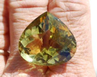 Oro Verde Citrine, Flawless Faceted, Yellow, Green, Gold, faceted pear, or heart shape, 26 x 24mm, 44.85 ct