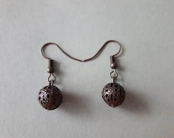 """BToBronze"" model: bronze color earrings"