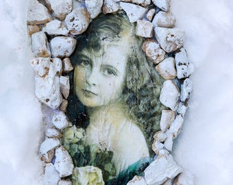 Handmade wood and rock wall picture ''rock beauty''