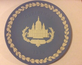 Wedgwood Blue and White Jasper Christmas Plate 1972 Saint Paul's Cathedral