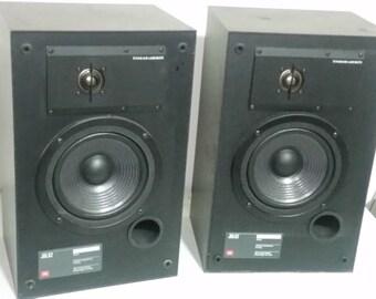 JBL62  Bookshelf Speaker System JBL62