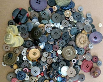 1 lb+ Assorted Vintage Buttons
