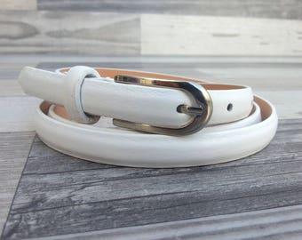 Women's leather belt. White