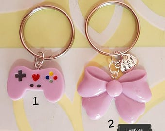 Key ring with bow-resin joystick