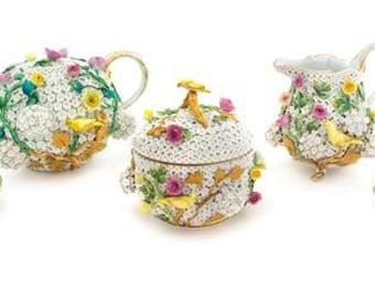 A Meissen Porcelain Schneeballen Tete-a-Tete