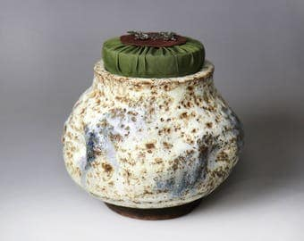 Bug Bite Glaze-Glost-fired Earthen Tea Caddy;yellow;Handmade;Taiwan pottery;Japanese style;Ceramicware;Unique gifts;pottery;Multi-colour