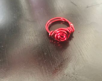Red rose coil ring