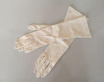 Elegant gloves, vintage gloves, wedding gloves, 50 years Gloves White