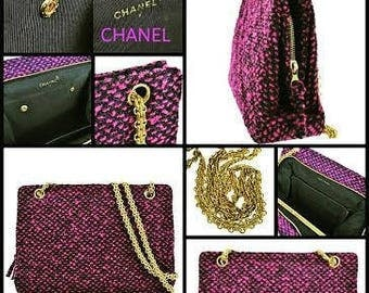 Chanel Paris. 1995 Tweed Boucle, Grosgrain Interior with Snap in/Out Wallet