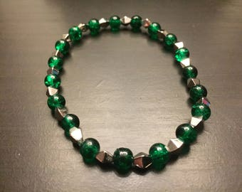 Green glass bead stretchy bracelet