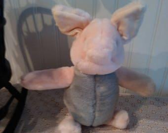 Piglet.................Classic Pooh