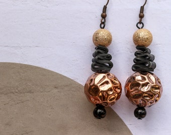 Rosé Waves (handmade earrings from recycled bicycle inner tube and beads)