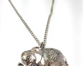 metal white zircon necklace